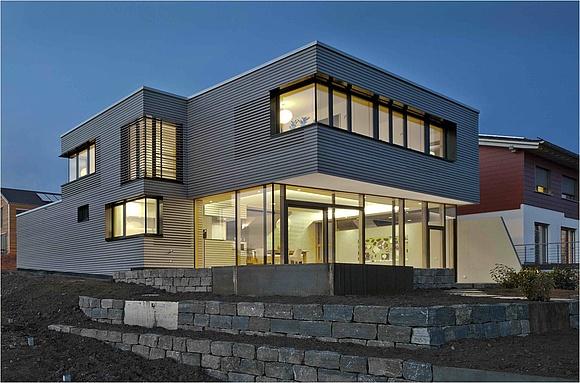 Favorit Lichtband-Gestaltung in Dach und Fassade ZM13